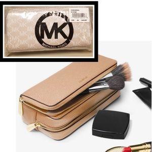 Michael Kors Mercer Large Double Zip Leather Case
